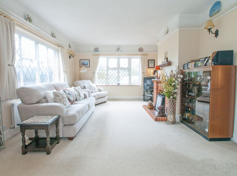 8 Manor Close Felpham