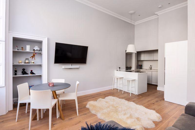Open plan sitting room/kitchen