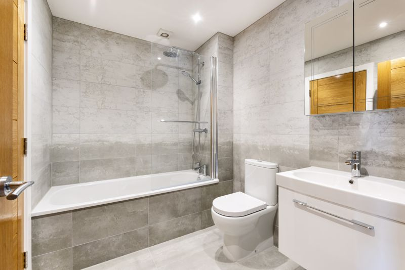 Modern Bathroom With White Suite