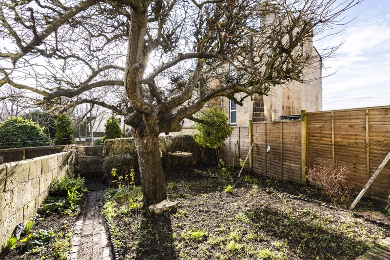 Garden with Rear Pedestrian Access