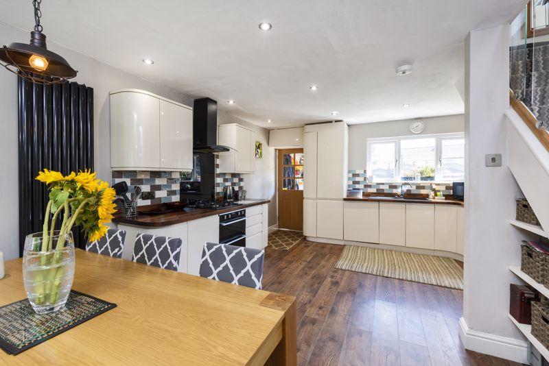 Light & Airy Open Plan Kitchen/Diner