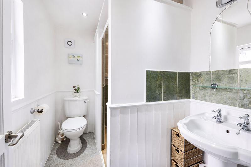 Annexe - Bathroom