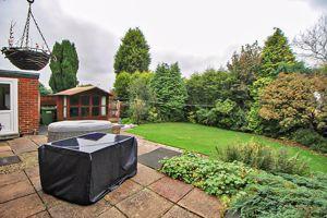 Grosvenor Road Ettingshall Park