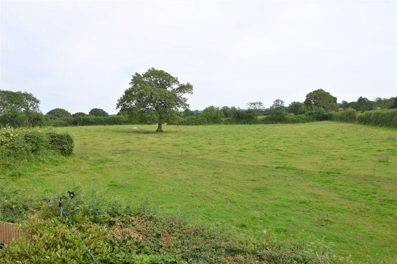 Meadowside Mosterton
