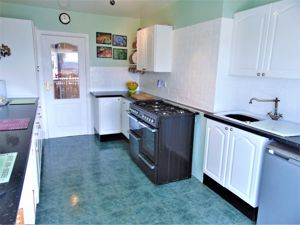 Kitchen With Range Style Gas Cooker