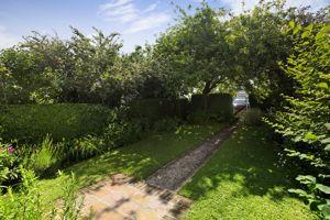 Roundoak Gardens Nynehead