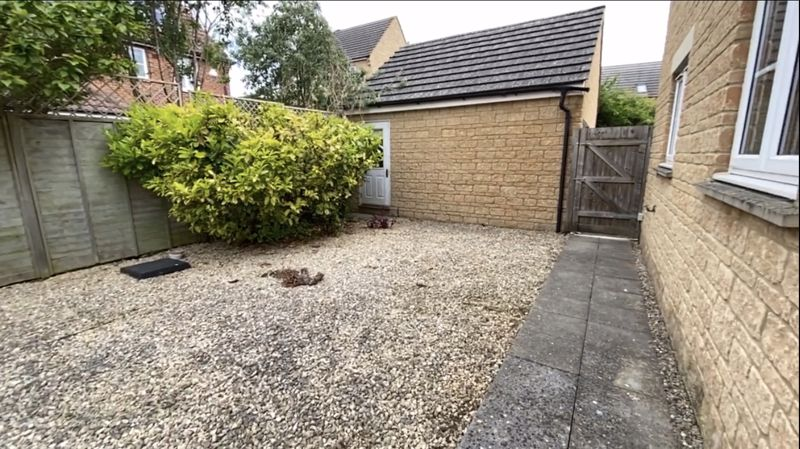 Rear garden side access