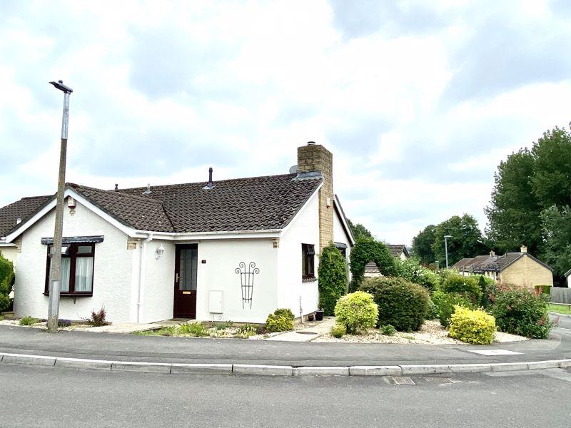 Long Barrow Road