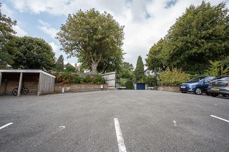 42 Brighton Road