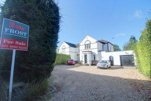 Woodcote Grove Road