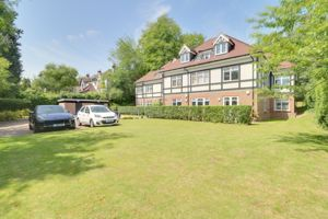 4 Woodcote Valley Road