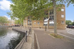 Brunswick Quay, Surrey Quays