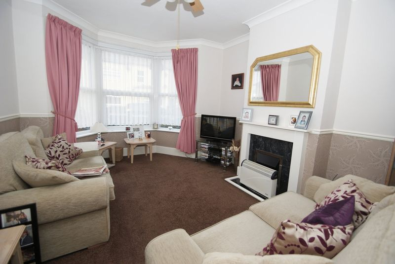 Ground floor flat Lounge