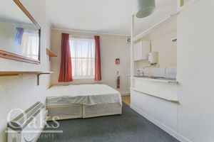 Room5 Kempshott Road Streatham