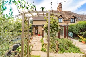 Oxford Road Clifton Hampden