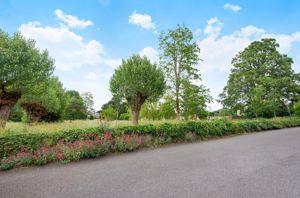 Larkhill Villas, Cemetery Road