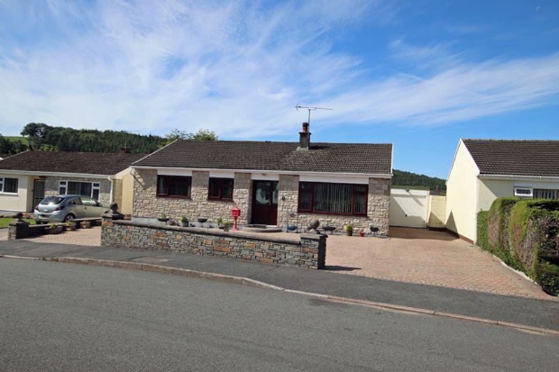 Manor Crescent Llanllwch