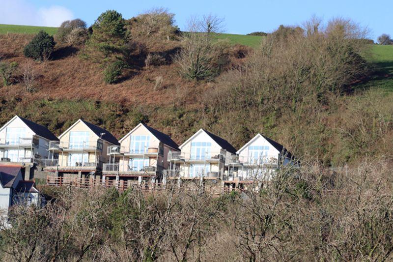 The Apartments Pendine Manor