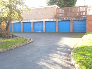 Carlton Avenue Wollescote