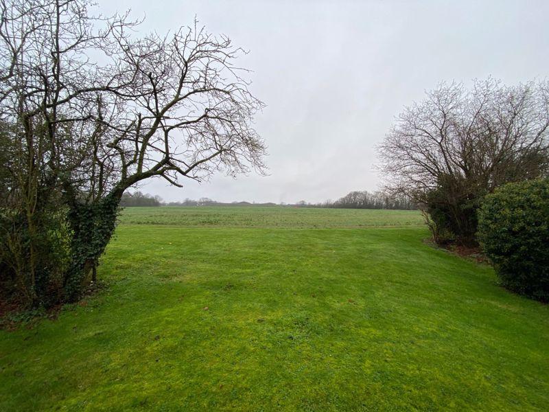 Spinney Farm High Laver