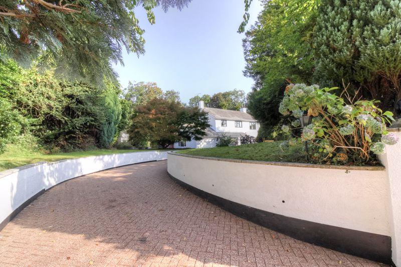 Manor Gardens Exbourne