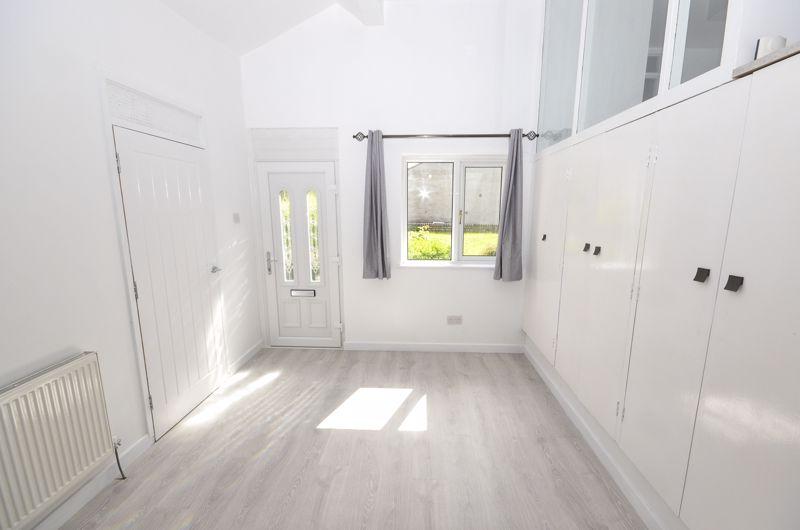 Dining-Hallway
