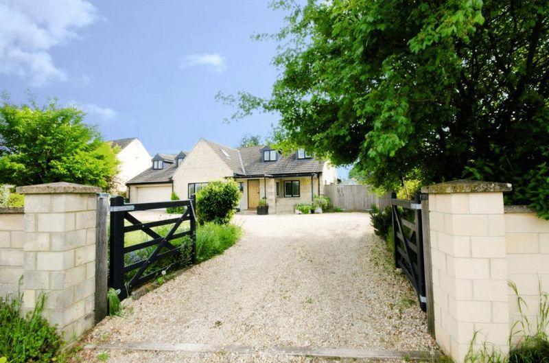 Corsham Road Lacock