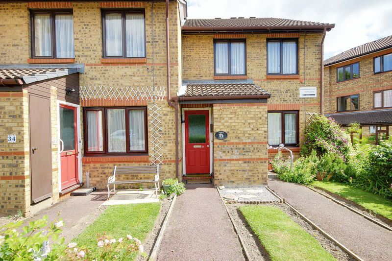 1 Bedroom Property for sale in Gordon Hill, Enfield