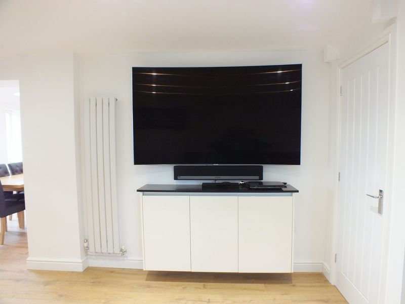 TV UNIT IN FAMILY LOUNGE AREA