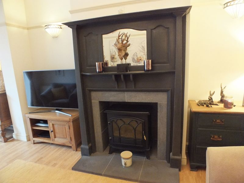 LOUNGE FIREPLACE SURROUND