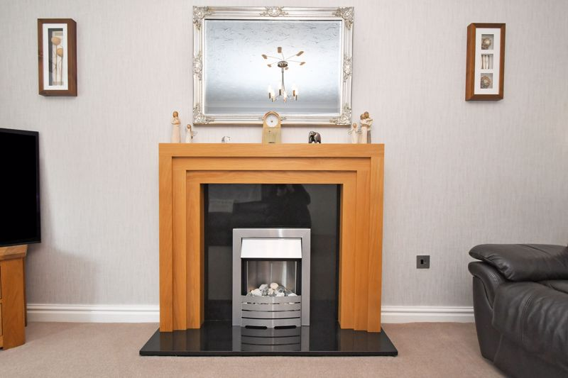 LOUNGE FIREPLACE