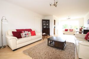 Camden Close Ainsworth
