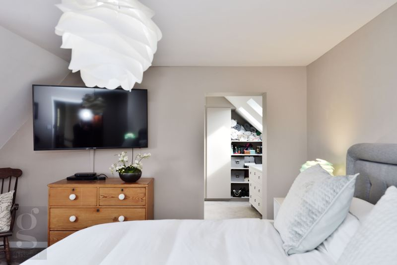 Main Bedroom - Dressing Room