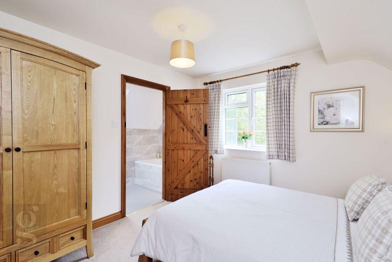 The Barn - Main Bedroom