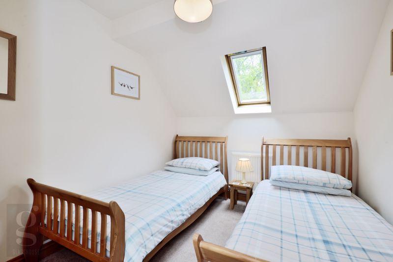 The Barn - Bedroom 2