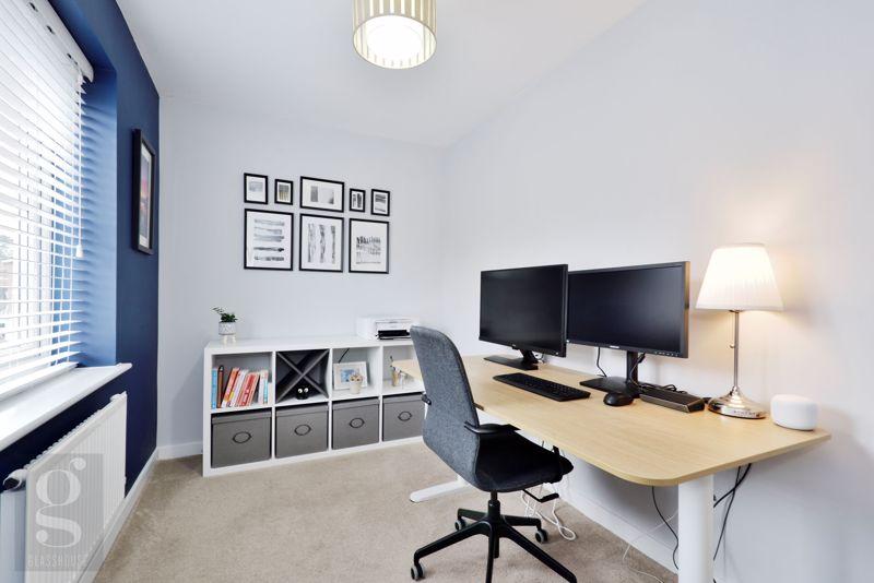 Bedroom 5 / Home Office