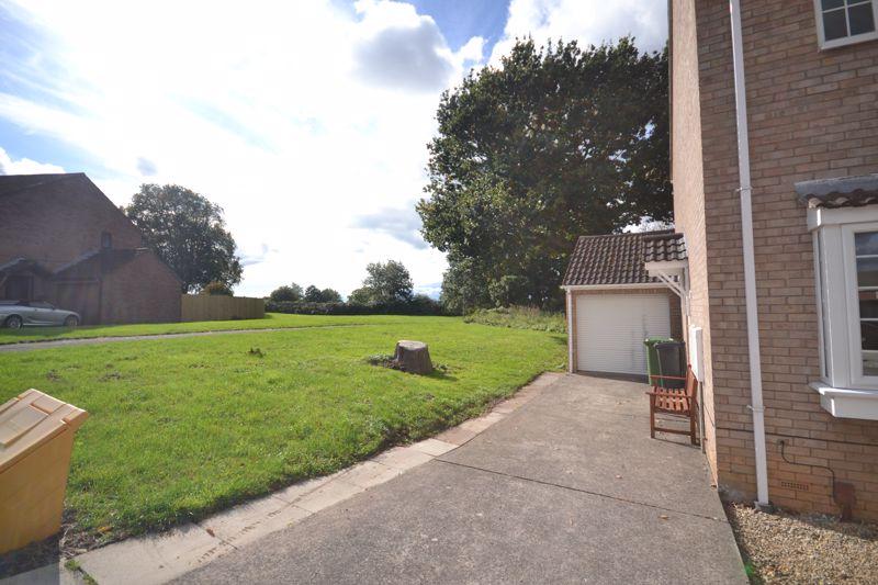 Millfield Drive North Common