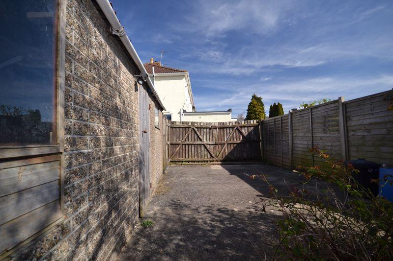 Holdenhurst Road Kingswood