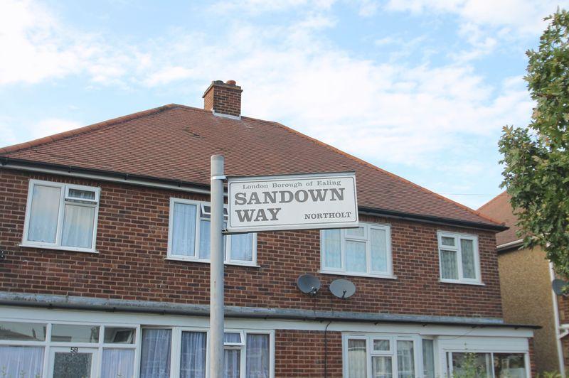 Sandown Way