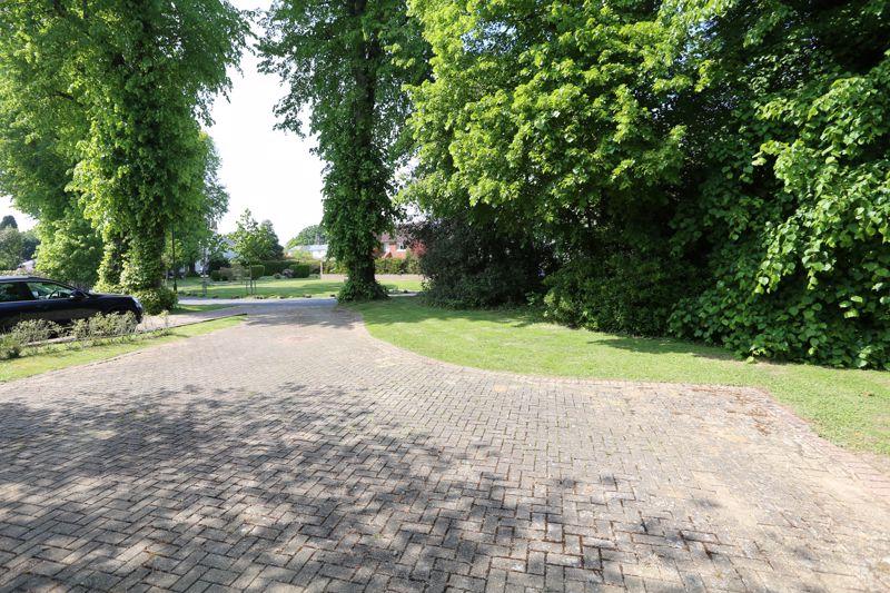 Manor Drive