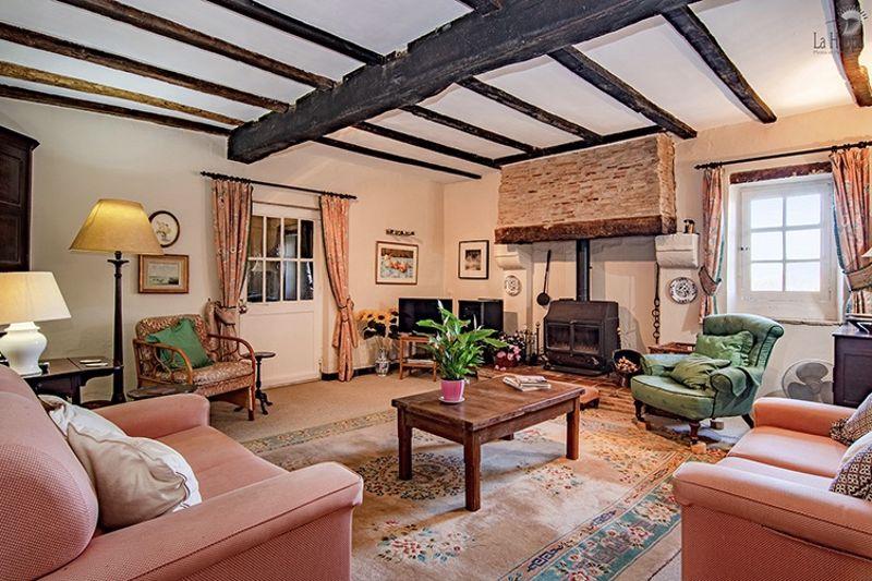 The salon/living room