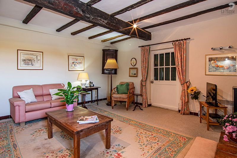 The living room/salon