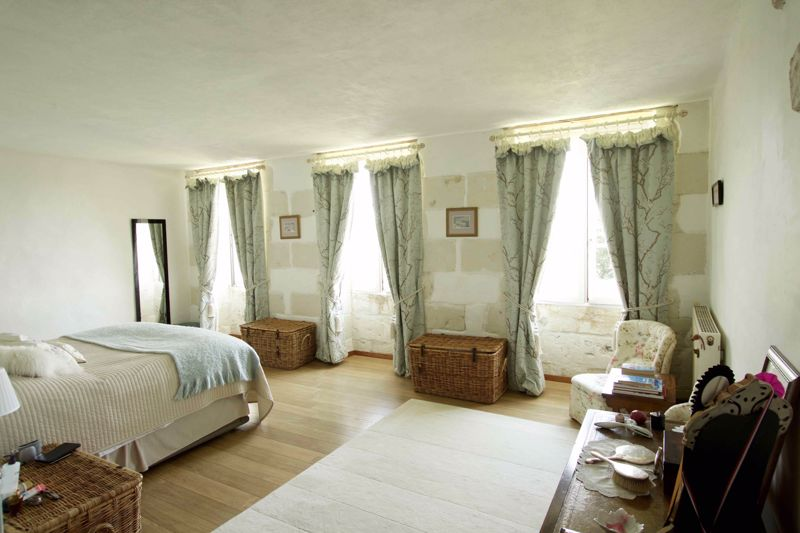 La Flotte master bedroom