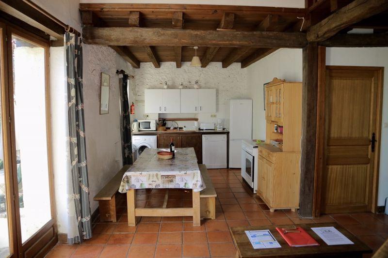 Hirondelle kitchen area