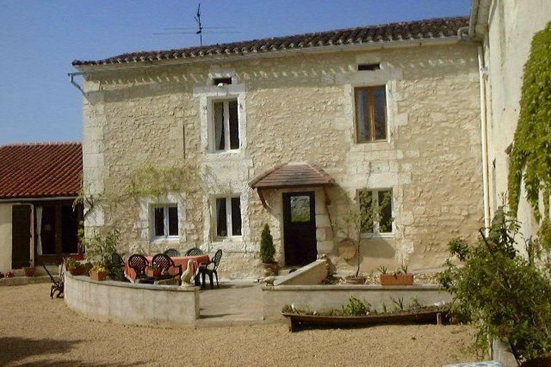 Principal house facade