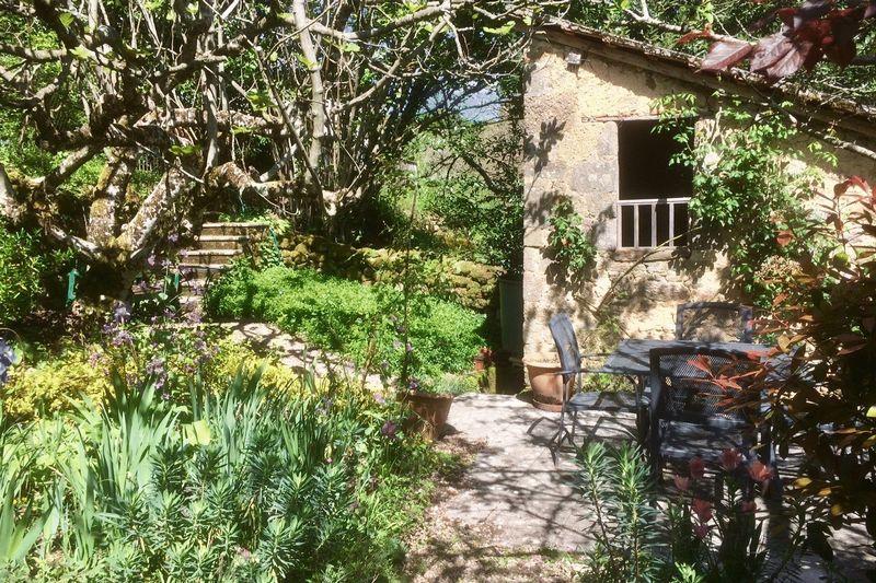 Lower garden and sechoir