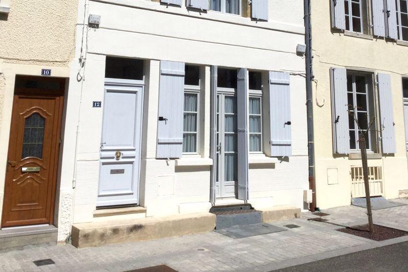 Ground floor facade