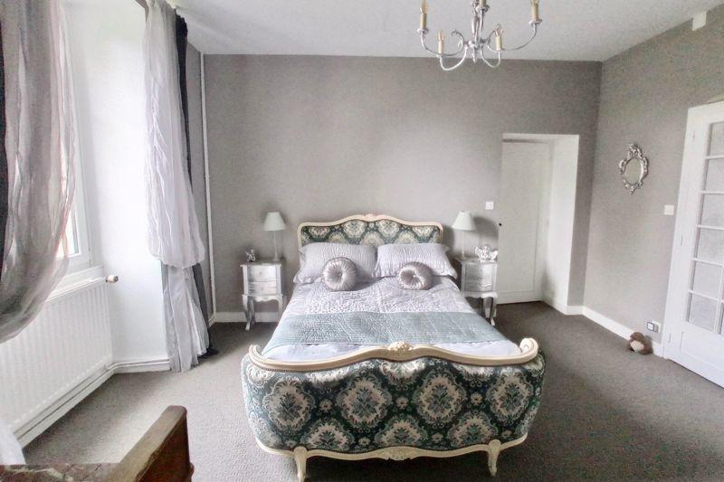 L Bedroom
