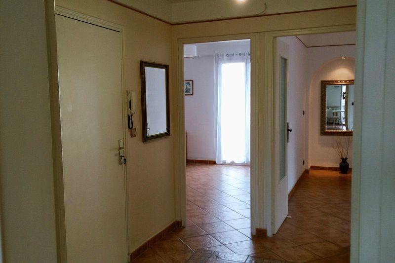 11.-Entrance-hall