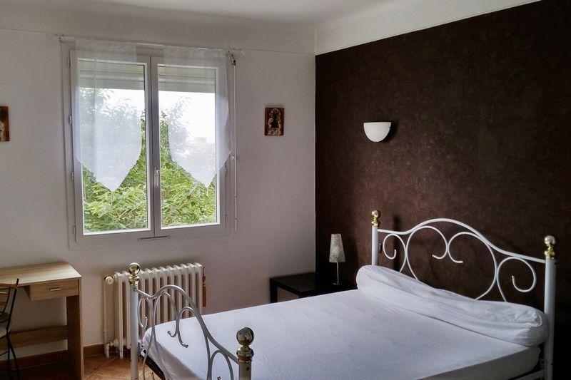 13.-Bedroom